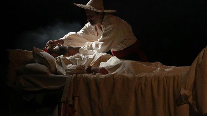 Magoa presenta en Túnez la muerte de Cervantes, una versión única del mito