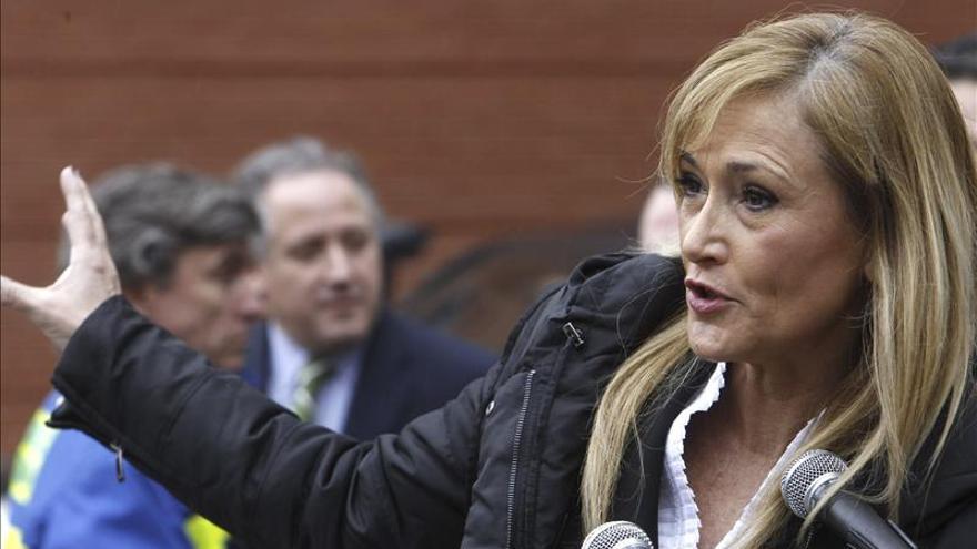 """Cifuentes asegura que Bárcenas es una """"losa"""" para el Partido Popular"""