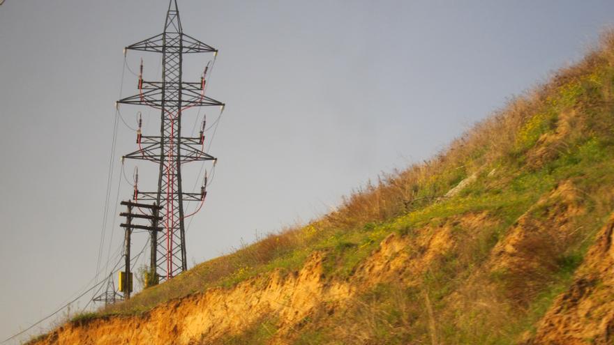 La demanda de electricidad cae un 1,6% en agosto
