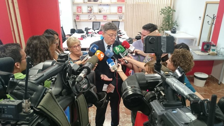 Ximo Puig tras la reunión interparlamentaria del PSPV-PSOE