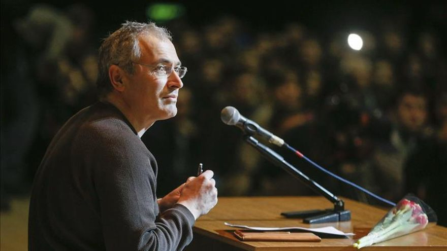 Acusan en ausencia a Jodorkovski de complicidad en un asesinato