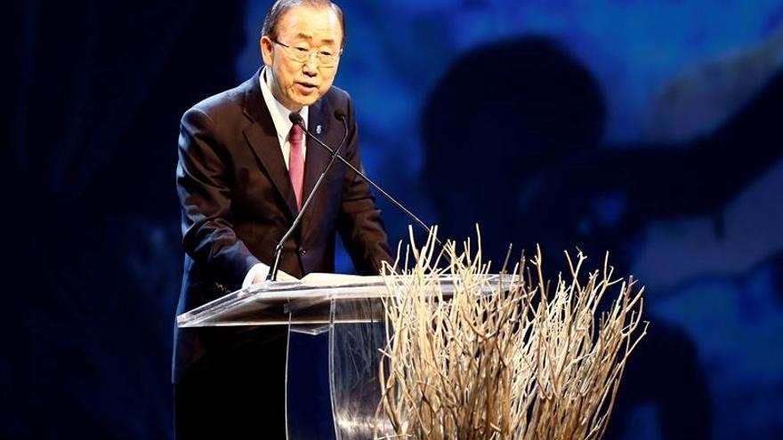 Ban Ki-moon apadrina tortuga gigante y llama a proteger las Islas Galápagos