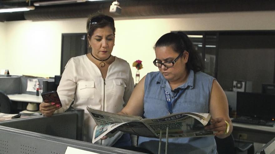Dulcina junto a otra periodista de Los Mochis, María Jesús Estrada, conocida como Marichuy. Esta redactora del diario local El Debate fue amenazada en marzo de este año supuestamente por policías tras una investigación sobre un caso de corrupción en el sector público. Tuvo que abandonar la ciudad.