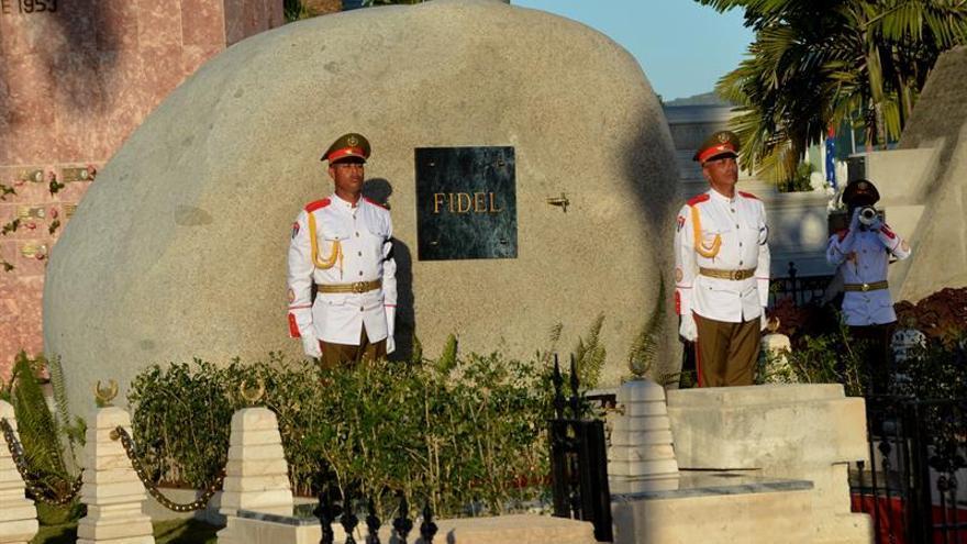 """Compilan en un volumen """"los nueve días en que murió Fidel Castro"""""""