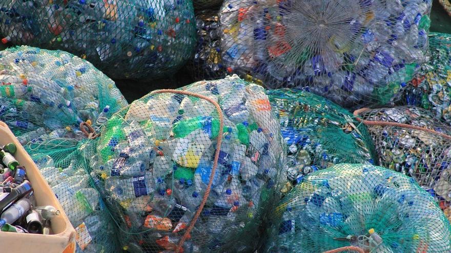 Más del 80% de los desechos marinos son plásticos de un solo uso.