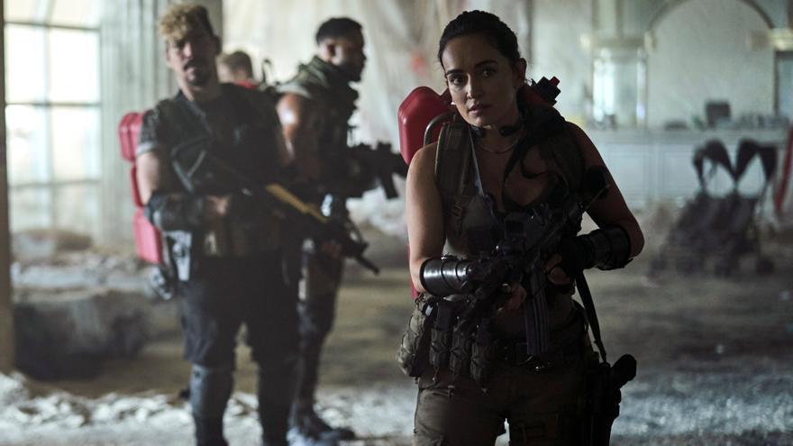 De la Reguera llega a la cima de Hollywood como musa guerrera de Zack Snyder