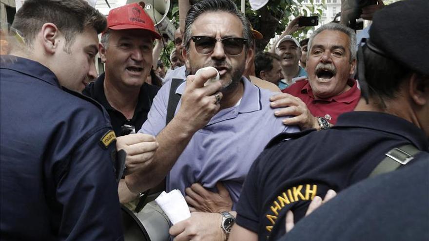 Los hospitales públicos griegos celebran su primera huelga con el Gobierno Syriza