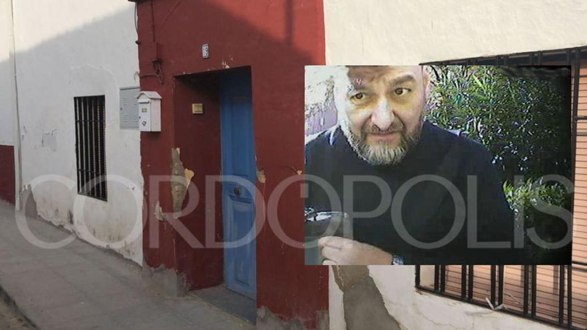 Imagen que aparece en el sumario de Pedro Gómez y tomada en una de las cámaras de un cajero; al fondo, la casa donde se encontró el cadáver.