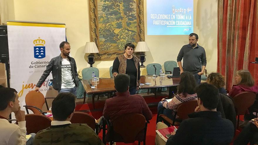 Reunión de Ascensión Rodríguez con los jóvenes.