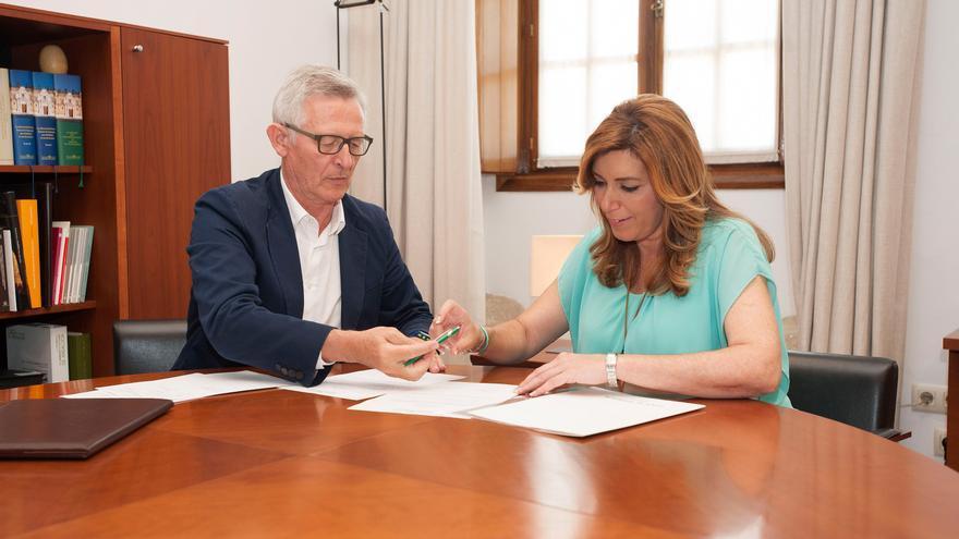 Susana Díaz presenta su declaración de la Renta y la de su marido en el Parlamento andaluz