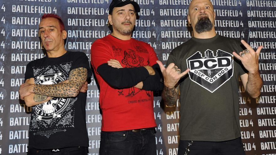 César Strawberry, a la derecha de la imagen, junto a otros miembros de Def con dos / GTRES