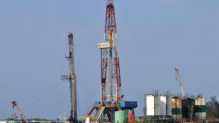 Cuba planea perforar en 2014 su pozo petrolero más largo, con 8.200 metros
