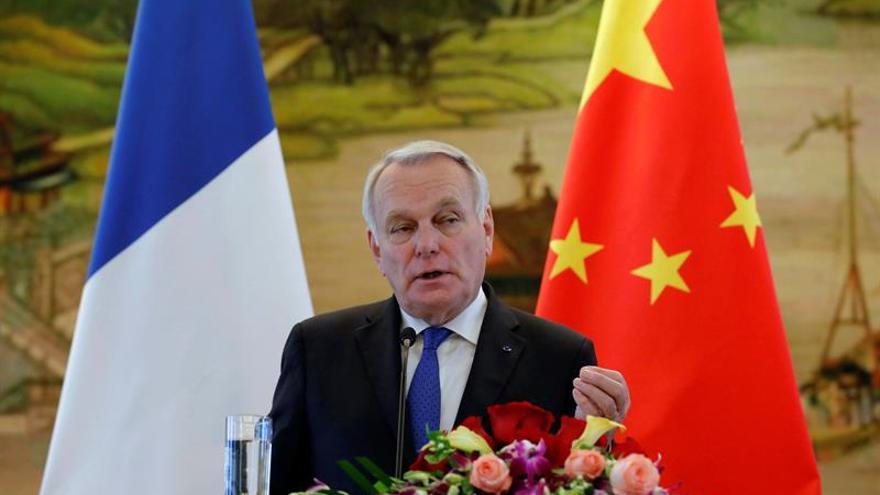 Francia dice tener pruebas de que el régimen de Al Asad usó armas químicas