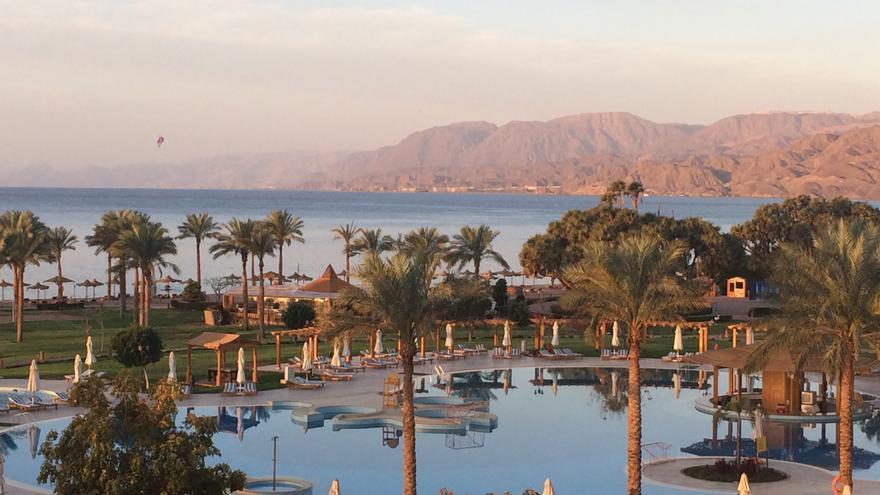 Vistas desde el hotel Mövenpick Taba, cercano a la frontera con Israel