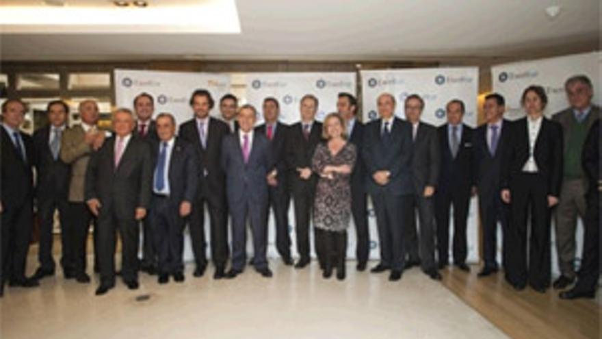 Paulino Rivero se reúne en Madrid con los representantes de Exceltur. (ACFI PRESS)