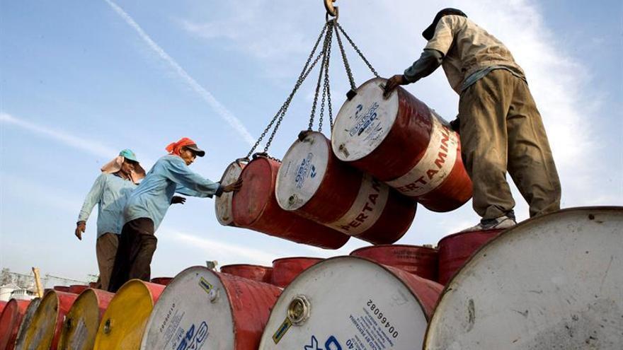 Indonesia pide reingresar en la OPEC a condición de no recortar su producción
