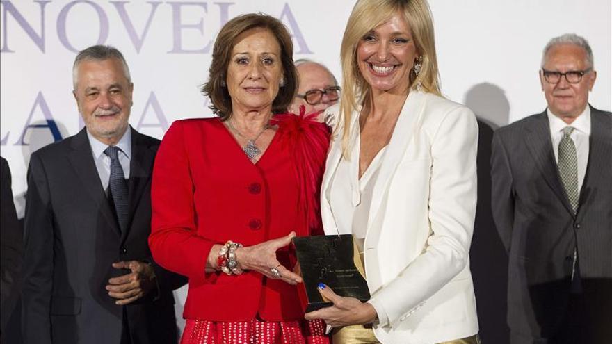 La periodista Marta Robles gana el Fernando Lara con una novela de pasiones amorosas