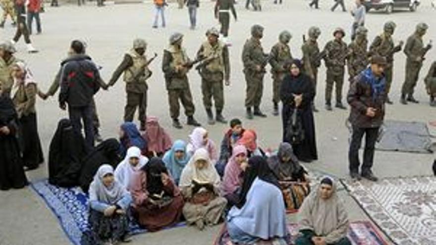 El Ejército egipcio, en la plaza de la Liberación.