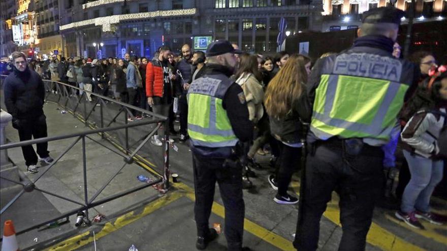 La Puerta del Sol se blinda con 600 efectivos de seguridad y emergencias