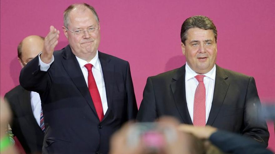El candidato del SPD alemán Peer Steinbrück y el líder del partido, Sigmar Gabriel, en las pasadas elecciones.