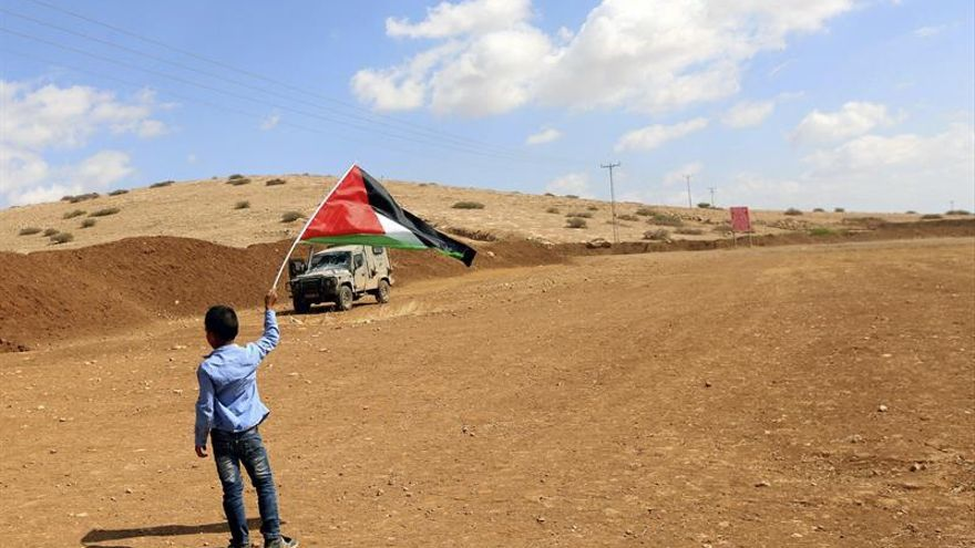 Netanyahu dice a los líderes colonos que Israel debe limitar las colonias