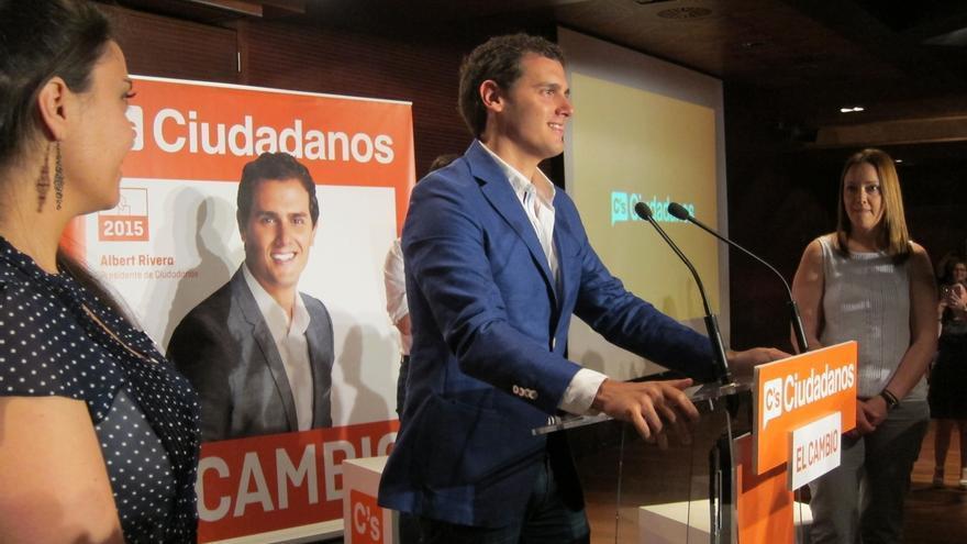 Rivera no propone jubilar a ningún político pero ve bueno que gobierne gente que ronda los cuarenta
