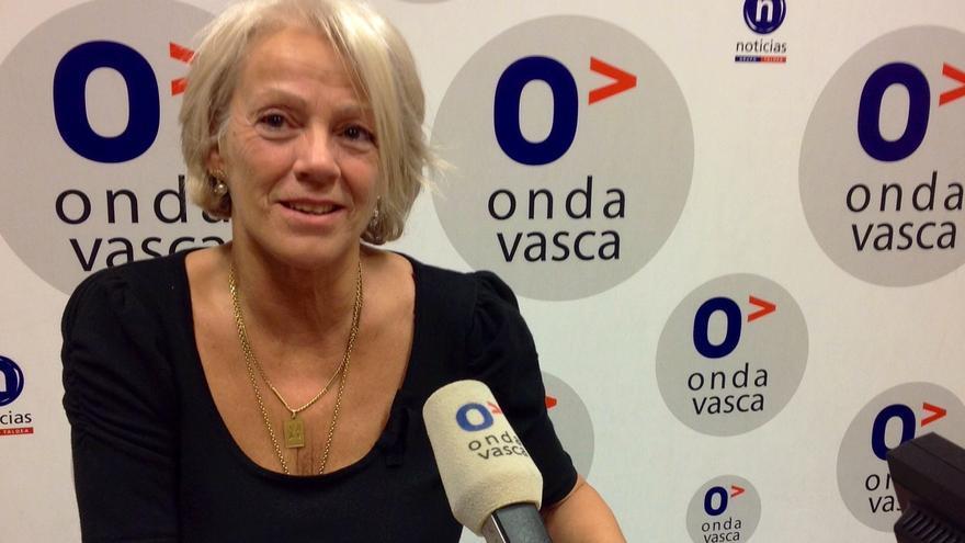La viuda de Goikoetxea y Edurne Brouard creen que si ellas con capaces de hacer un recorrido juntas la sociedad también