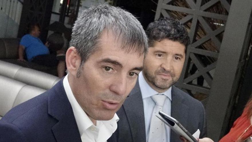 Fernando Clavijo y Roberto Ucelay, presidente del CEST