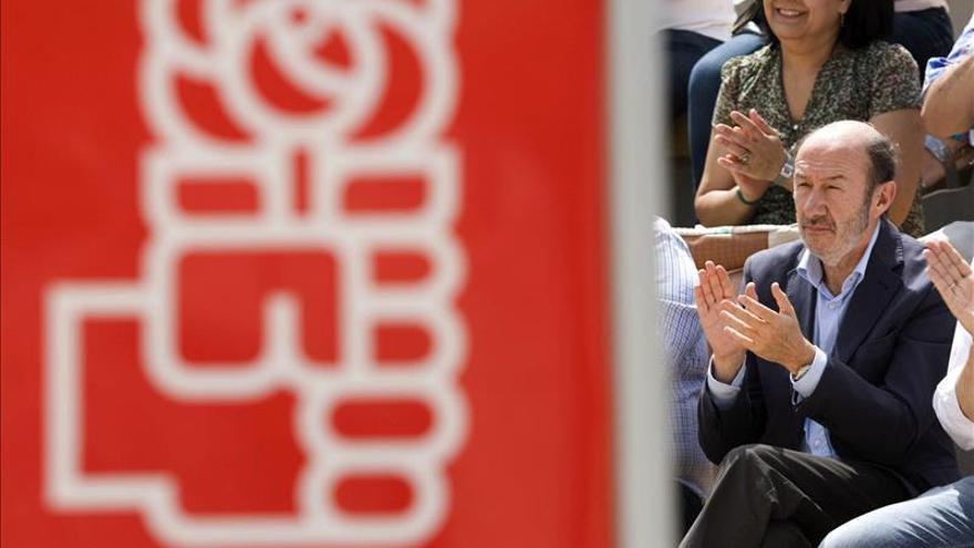 """Rubalcaba afirma que el PP no tiene """"un problema de comunicación"""", sino que ha gobernado mal"""