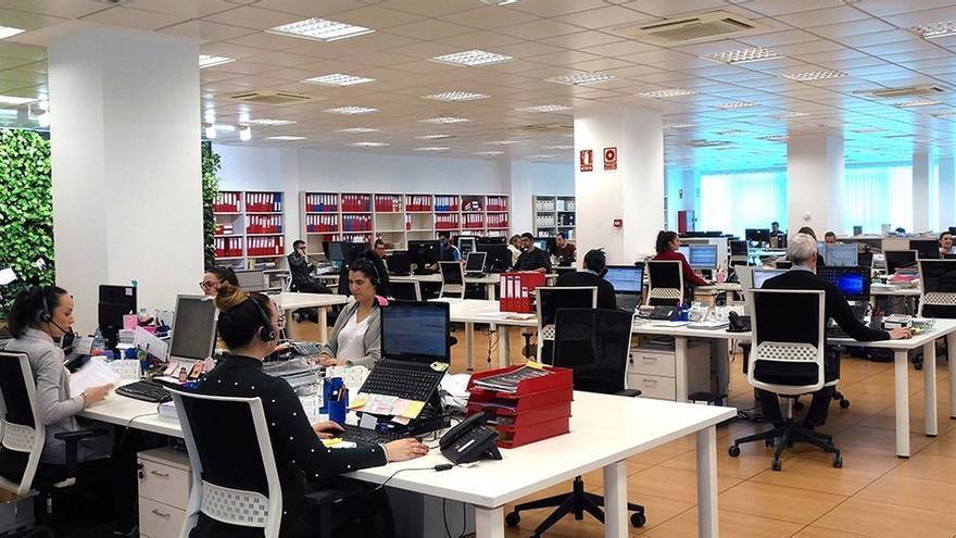 """La CEA ve una """"involución"""" el registro horario y """"dificultades"""" para cumplirlo en """"gran parte"""" de las empresas andaluzas"""
