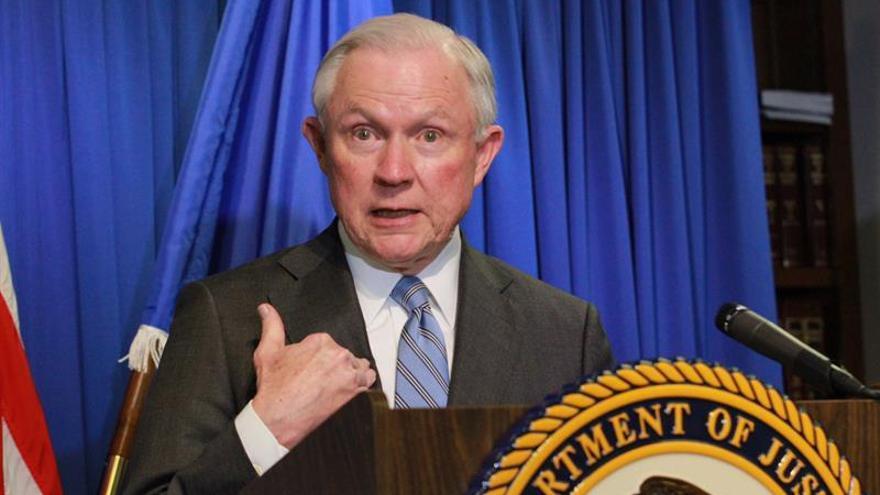El fiscal general Sessions ofreció meses atrás su dimisión a Trump, según medios