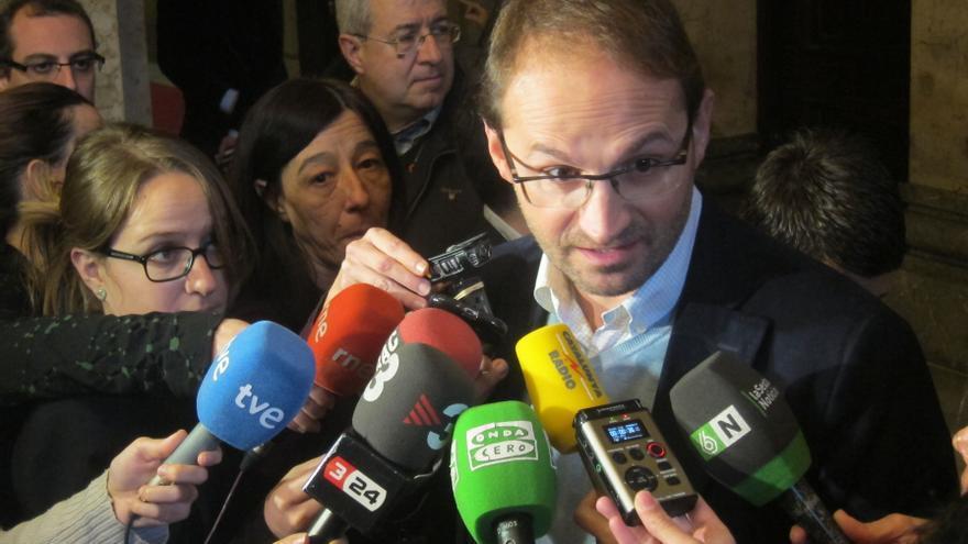 Herrera (ICV) critica el trato que Fiscalía y Abogacía del Estado dan a la Infanta
