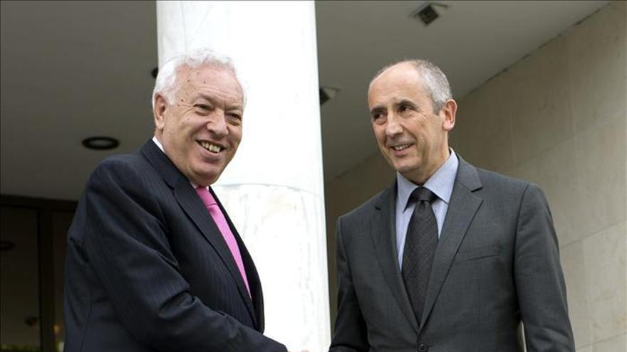 Margallo y Erkoreka confían en acercar posturas en la Ley de Acción Exterior