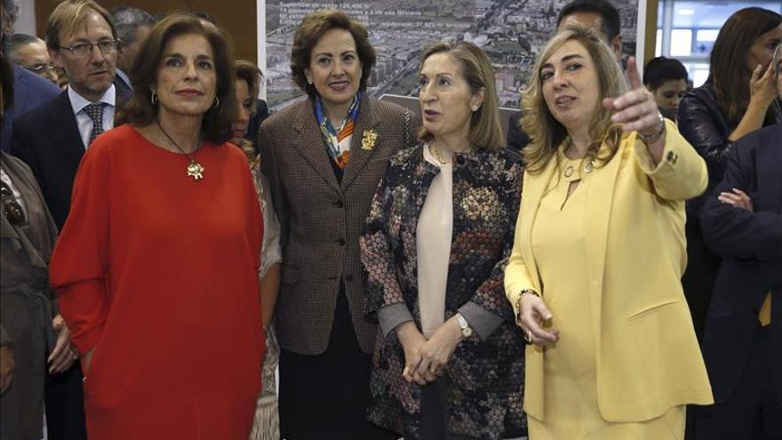 Ana Pastor dice que los trabajos del AVE a La Meca van adelante y a buen rimo
