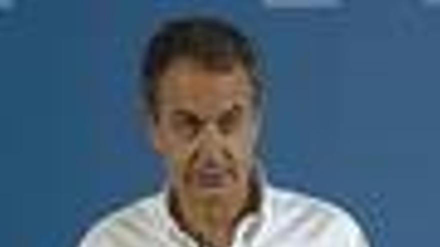 """Zapatero defiende la """"coherencia"""" del proyecto socialista aunque a veces gobernar implica """"improvisar"""""""
