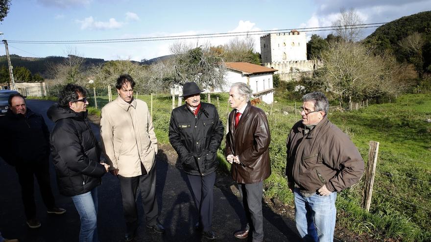 Inaugurado el nuevo asfaltado del vial de Torre Venero en Castillo Siete Villas