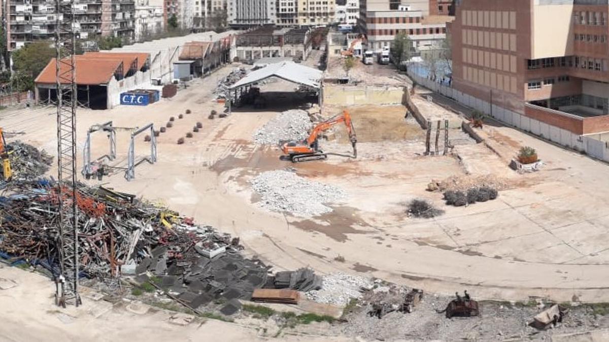 Vista de la demolición sobre las cocheras de Cuatro Caminos