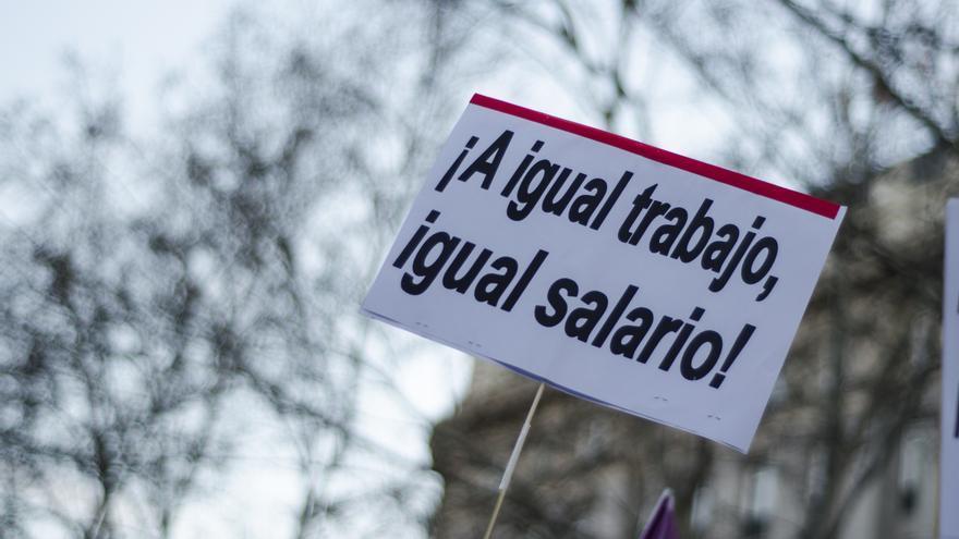 """""""¡Al igual trabajo, igual salario!"""" Manifestación del 8M \ Foto: Alejandro Navarro Bustamante"""