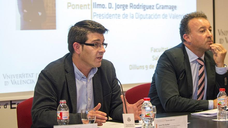 Jorge Rodríguez, durante su intervención en la conferencia en la Facultad de Economía