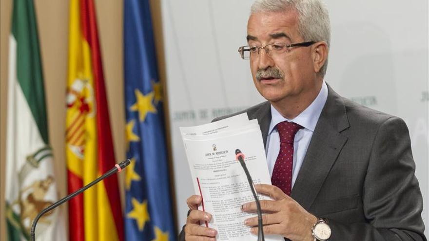"""La Junta pide al Gobierno que """"suavice"""" las medidas de control en Gibraltar"""