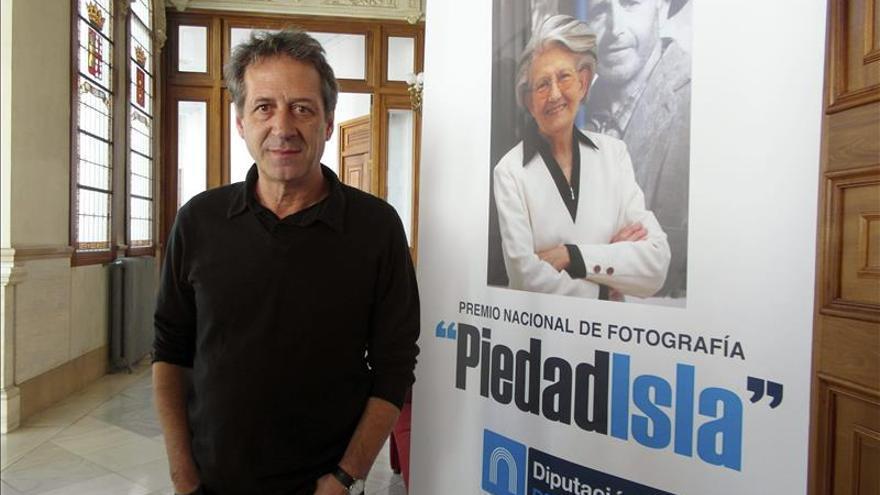 El madrileño Chema Madoz recibe el Premio Nacional de Fotografía Piedad Isla