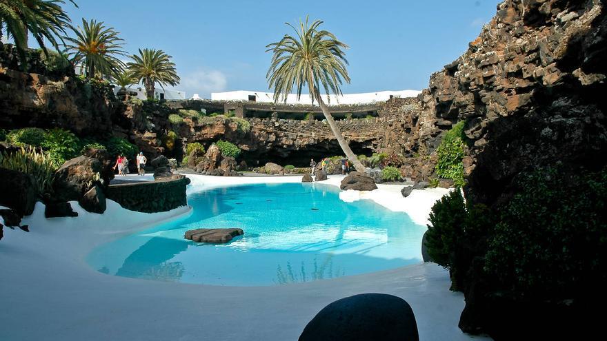 La piscina del Jameo Grande, una de las imágenes más paradigmáticas de Lanzarote. VIAJAR AHORA