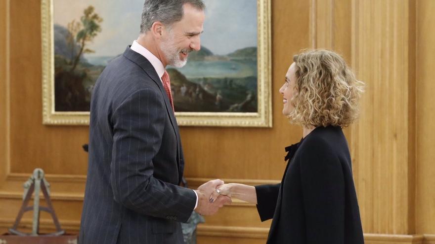 El rey Felipe VI recibe en la Zarzuela a la presidenta del Congreso, Meritxell Batet.