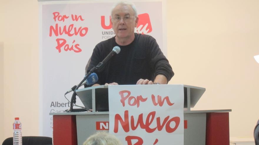 """Cayo Lara avisa de que si bajan los salarios la economía """"se va al garete"""" y no se crea empleo"""