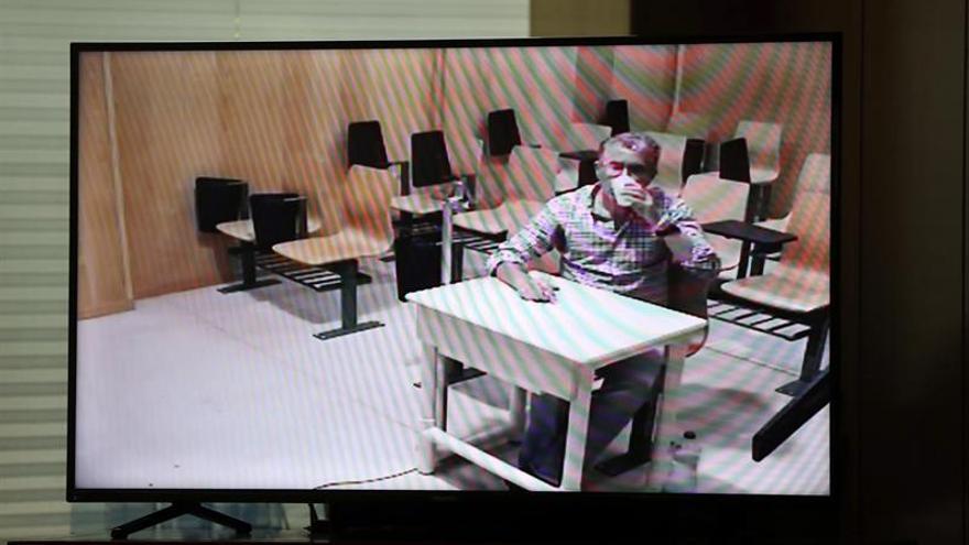 El juez procesa a Granados por el chivatazo que le dio un guardia civil