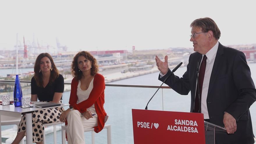 Ximo Puig junto a la ministra de Hacienda en funciones, María Jesús Montero, y Sandra Gómez