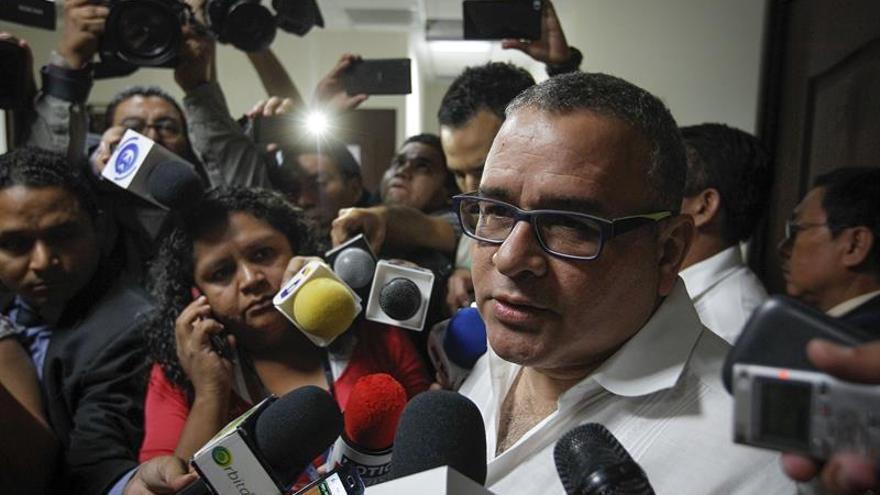 El expresidente salvadoreño Funes es vinculado a la malversación de Saca