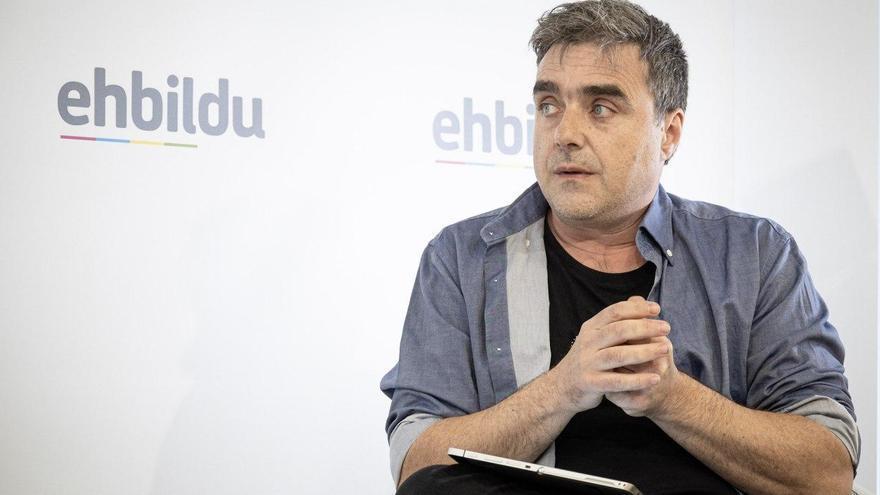 """Mikel Otero (EH Bildu): """"La sociedad debería pasar factura a las actitudes del PNV con sus casos de corrupción"""""""