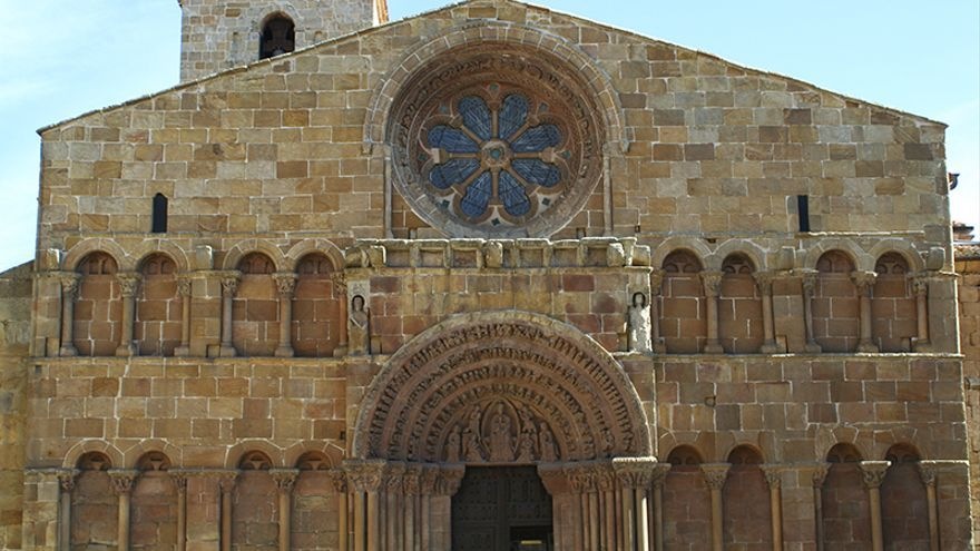 Fachada de la Iglesia de Santo Domingo de Soria.