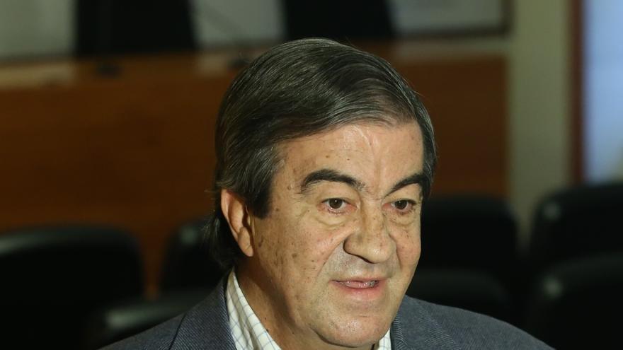"""Cascos: """"El sondeo es un fraude demoscópico preparado por el PP y el PSOE""""."""